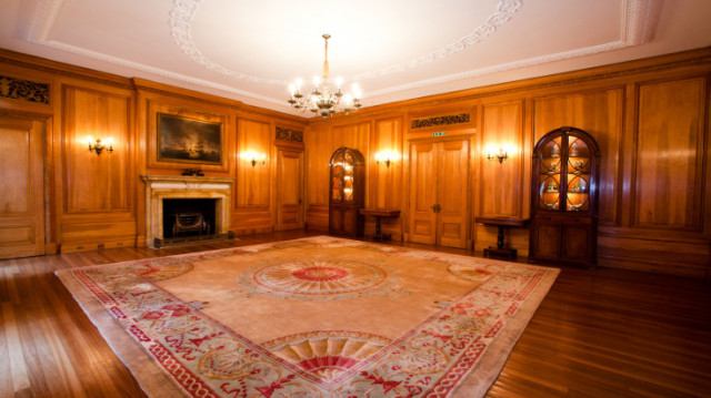 Court Room with large open space and fireplaces perfect for a post dinner dance Brewers' Hall Christmas Party EC2