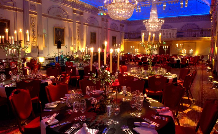 One London Wall Venue Hire EC2, seated dinner, stunning colour wash, chandeliers