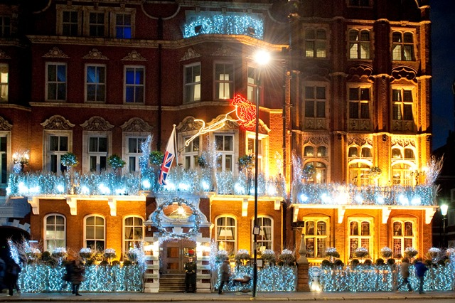 Milestone Hotel Venue Hire W8 exterior of venue at christmas