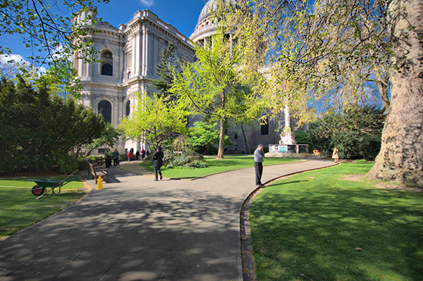 St Pauls Cathedral Summer Party EC4, exterior of the venue, outside space, lawn