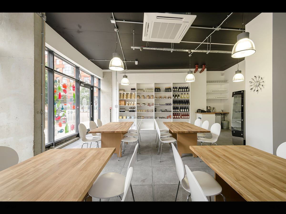 Jenius Social London Venue Hire N7, wooden tables with dining