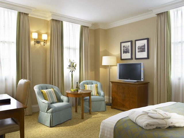 Marriott Birmingham Venue Hire B1. Marriot double bed suite