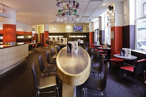 Novotel City South Venue Hire SE1 lounge area inside of hotel