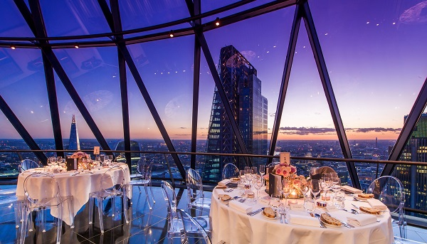 Gherkin Venue Hire London EC3- sunset at the gherkin during a private dinner party
