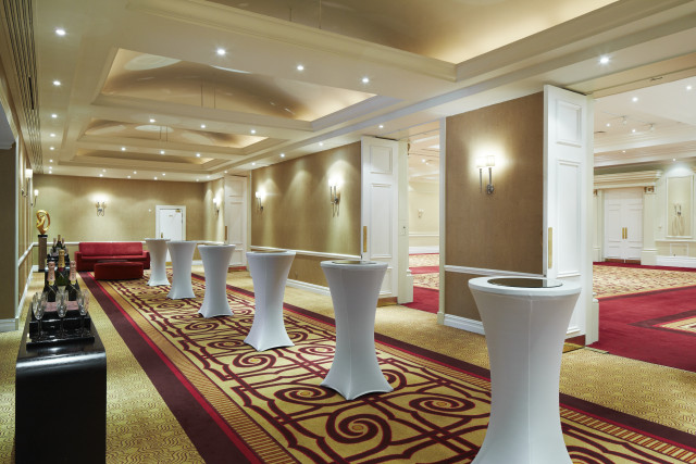Marriott Regents Park Venue Hire NW3 Entrance to meeting rooms