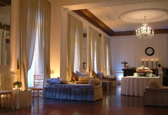 Il Bottaccio London Venue Hire SW1, venue set up with sofas for an event