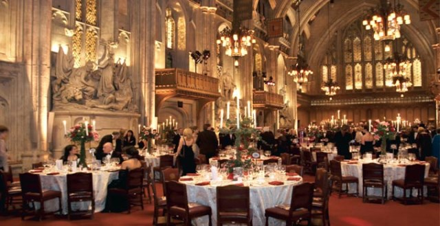 Guildhall Venue Hire EC2, stunning seated dinner, interior, high ceilings, chadeliers