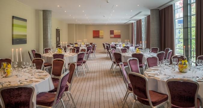 Hilton Tower Bridge Christmas Party SE1, dining set up with minimal decor