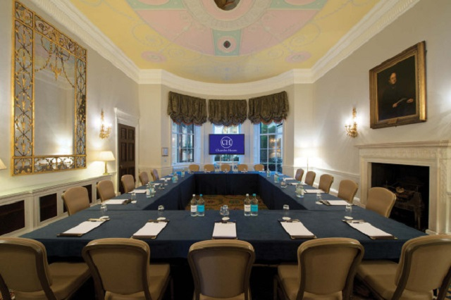 Chandos House Venue Hire W1. Room set up for a conference, set in banqueting style.