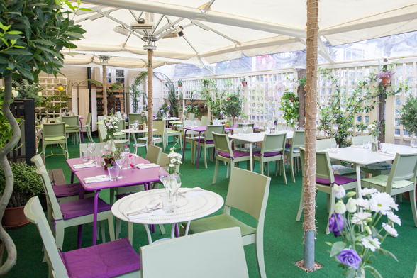 Bumpkin Chelsea Venue Hire SW3, covered outdoor space with fake grass