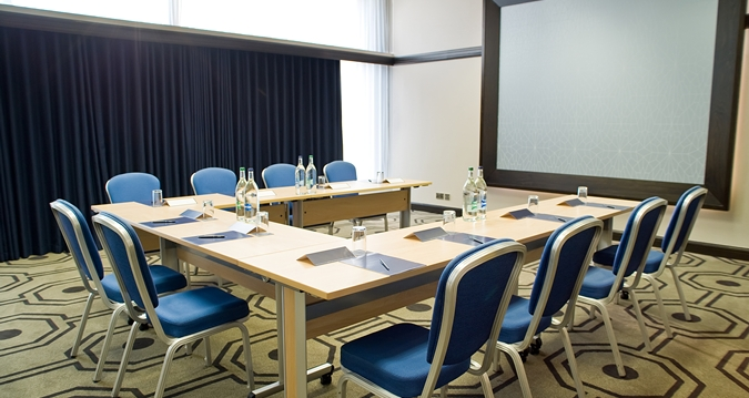 Hilton London Gatwick Venue Hire RH6, classroom set up