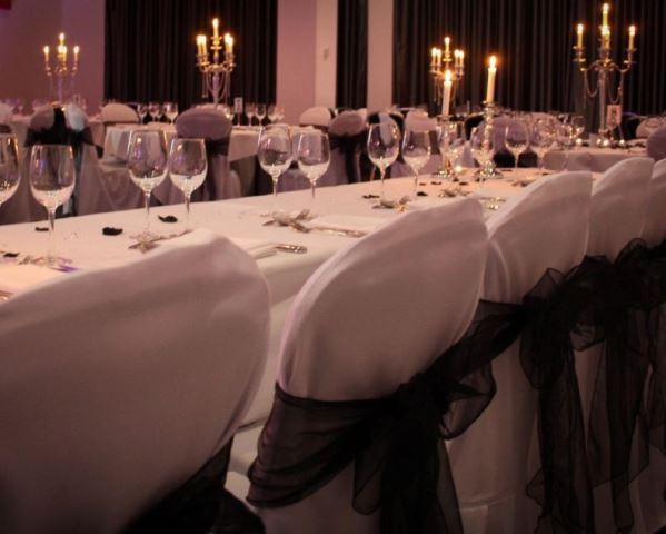 Banquet layout set up for dinner in a Meeting Room Crowne Plaza Manchester Venue Hire M4