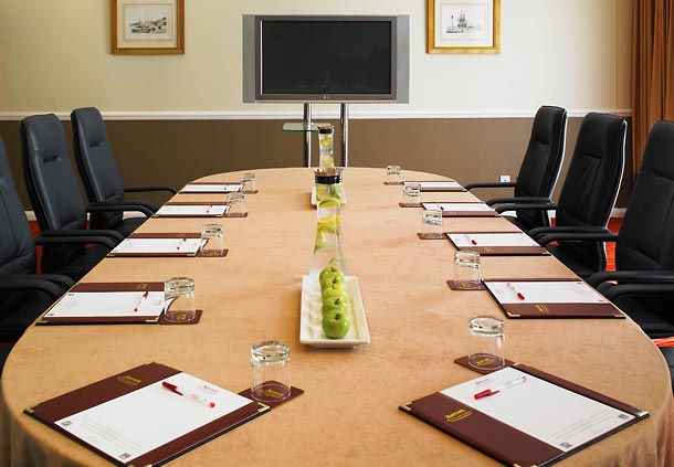 Marriott Hotel Portsmouth Venue Hire PO6, board room style with meetings