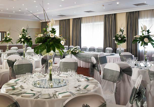 Marriott Hotel Portsmouth Venue Hire PO6, banqueting set up with flower center pieces