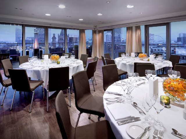 Double Tree Hilton Manchester Venue Hire M1, conferencing tables, natural daylight