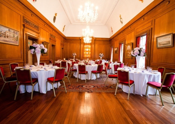 Brewers Hall London Venue Hire EC2, round tables with centre pieces