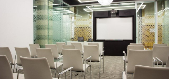 30 Euston Square Venue Hire NW1, smaller meeting room, theatre style set up, large screen