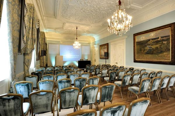 Dartmouth House Venue Hire W1, theatre style set up, large screen at the front, presentation