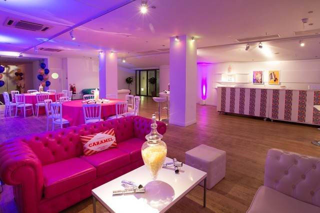 OXO2 Christmas Party SE1, flexbile event space, seating area, dinner tables, bar