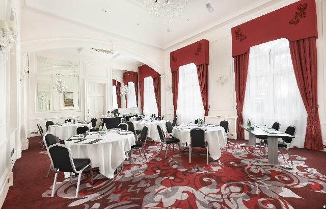 Cabaret Style layout Thames Suite Amba Hotel Venue Hire WC2