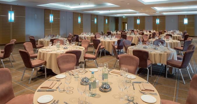 Hilton Canary Wharf Venue Hire E14, private dinner on circular tables