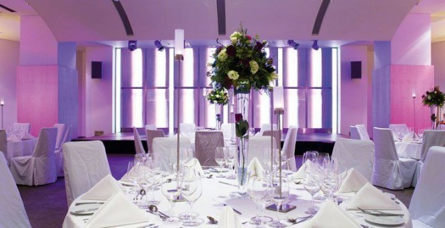 Cumberland Hotel Venue Hire W1, seated dinner, centre pieces, colour wash
