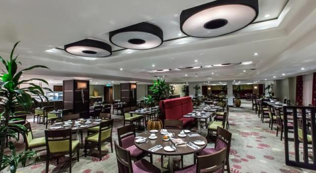 Kensington Close Hotel Venue Hire, seated dinner, restaurant
