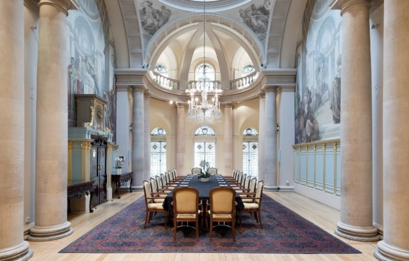 One Moorgate Place Venue Hire EC2, private room, boardroom style, conferencing ecvents, large chandelier, stunning architecture, columns, natural daylight