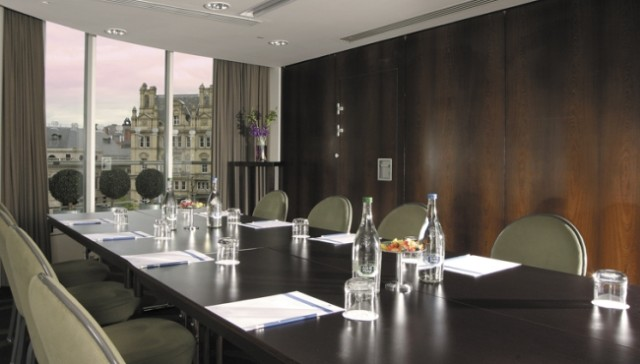 Park Plaza Leeds Venue Hire LS1, meeting space, boardroom, refreshments, views, natural daylight