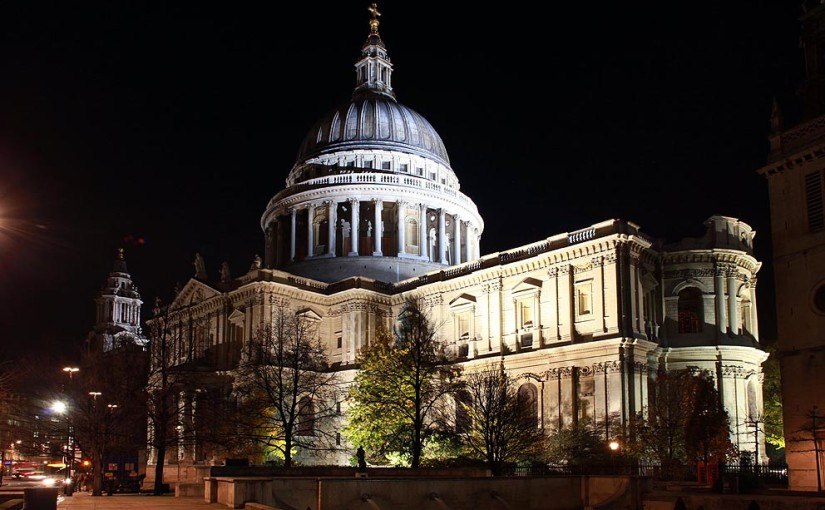 St Pauls Cathedral Venue Hire, exterior of the venue, iconic, light up