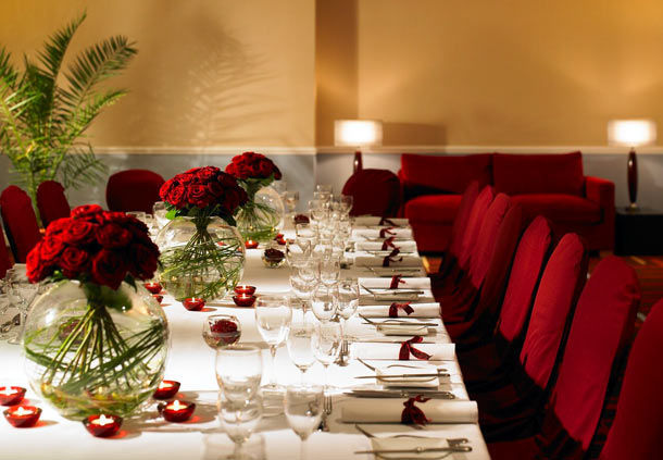 Huntingdon Marriott Hotel Christmas Party PE29, seated dinner, private dinner, banqueting style, centre pieces