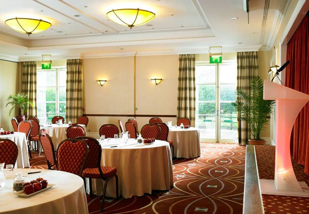 Huntingdon Marriott Hotel Venue Hire PE29, meeting room, conference, speaker, stage, natural daylight