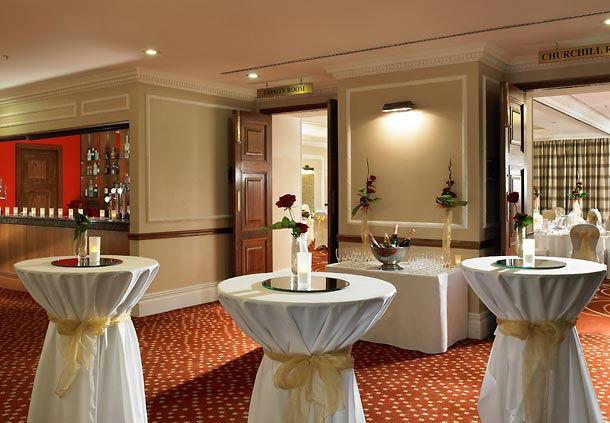 Huntingdon Marriott Hotel Christmas Party PE29, reception drinks area
