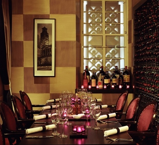 Malmaison Hotel Glasgow Christmas Party G2, private dining room with crackers and purple candles