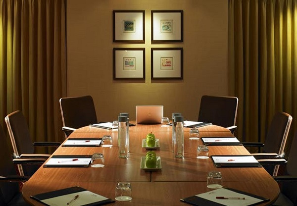 Bexleyheath Marriott Venue Hire DA6. meeting space, table set up for small conference