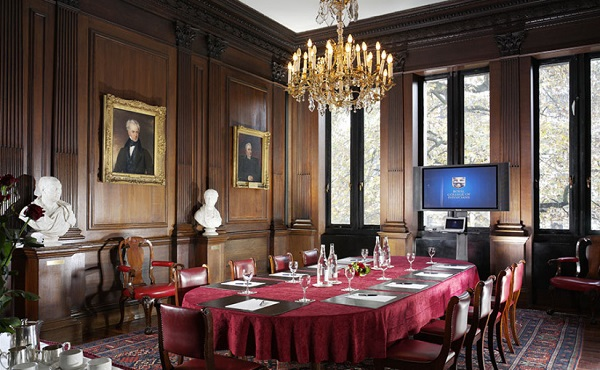 Royal College of Physicians Christmas Party NW1. private dining for guests to enjoy their Christmas party