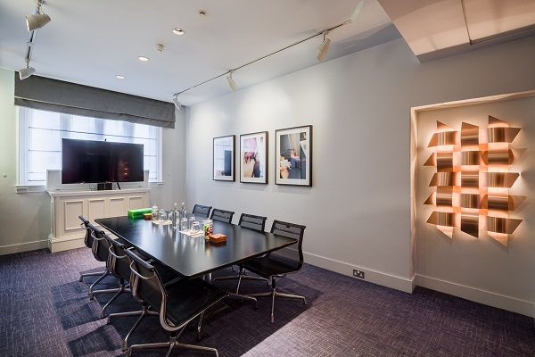 Andaz Liverpool Street Venue Hire EC2M. Inside space of small suite. Tbale set up boardroom style for meeting.