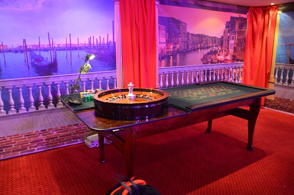 H.G. Wells Christmas Party GU21 gamble table for entertainment
