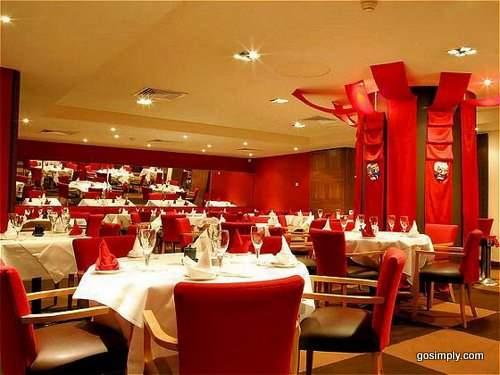 Holiday Inn Heathrow Shared Christmas Parties M4