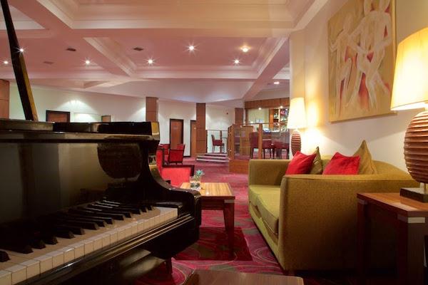 Hallmark Hotel Irvine Hogmanay KA11 lounge area of venue