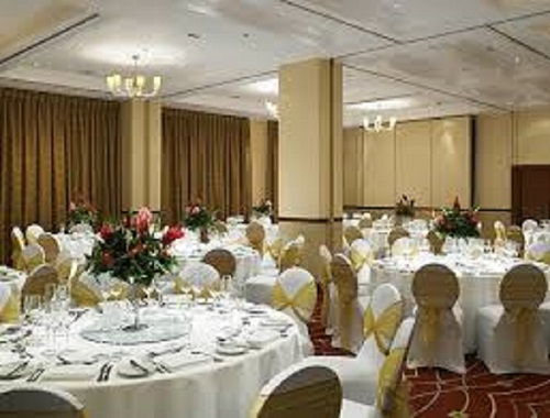 London Marriott Maida Vale Christmas Party NW6 round banqueting tables