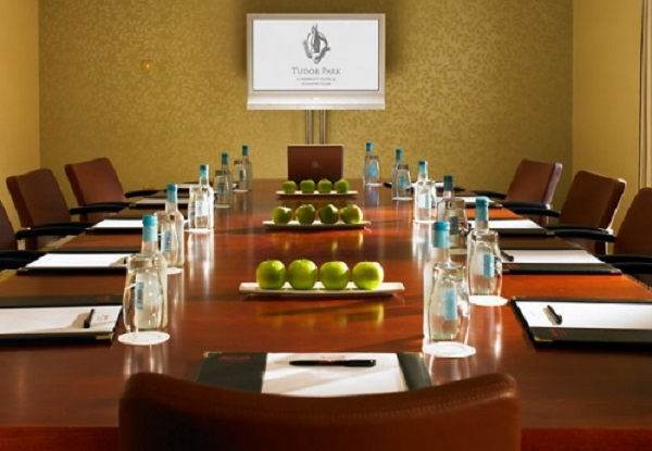 Tudor Park Marriott Venue Hire ME14- Boardroom meeting with AV equiptment