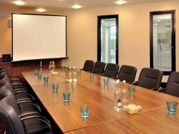 Nottingham Belfry Venue Hire NG8- Board meeting accompanied with refreshments