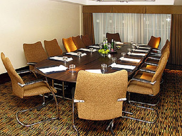Mercure St Pauls Venue Hire S1- Meeting room set out for a small conference