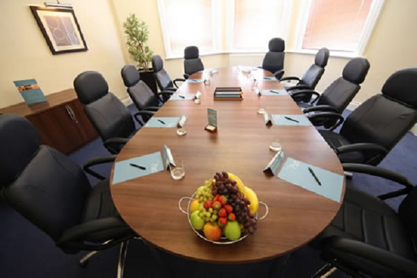 Mercure Maidstone Venue Hire ME17- Breakfast meeting set out boardroom style