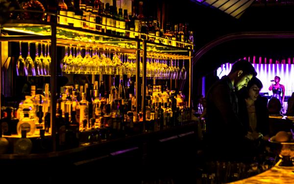Quaglino's Venue Hire SW1Y- Bar area preparing for dinner service